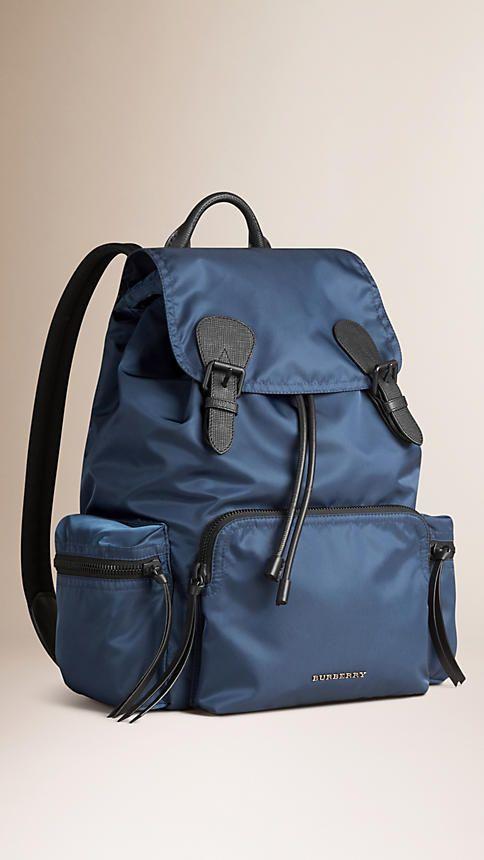 fa546a83d Mochila Rucksack grande de nylon tecnológico e couro Azul Aço - 1 ...