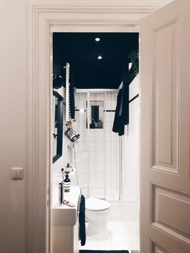 Einblicke ins schwarz-weiße Badezimmer bei kristinaahoi \u2013 klein - schwarz wei fliesen bad