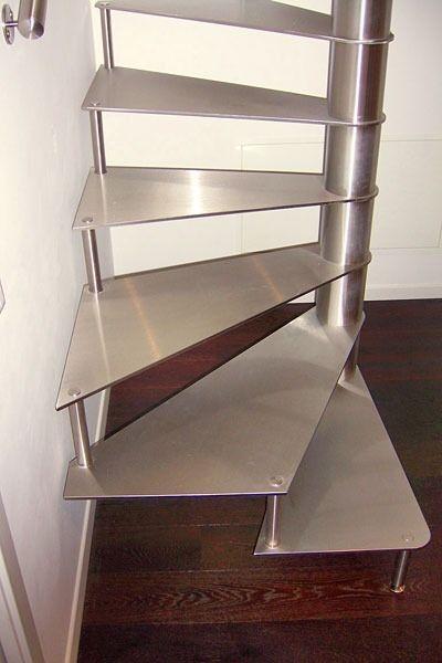 escalier en colima on carr structure et marches m talliques interbau escaliers pinterest. Black Bedroom Furniture Sets. Home Design Ideas