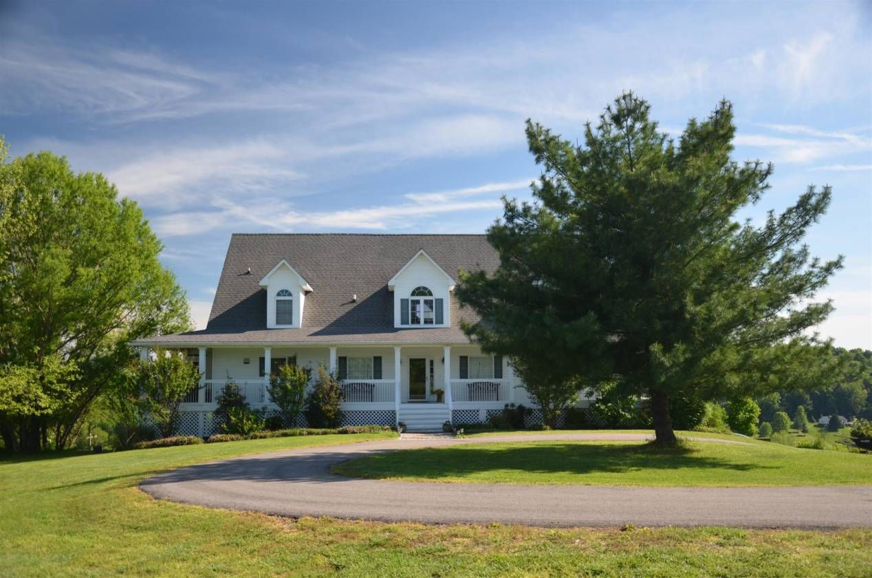 Equestrian Estate For Sale in Maury County , Tennessee