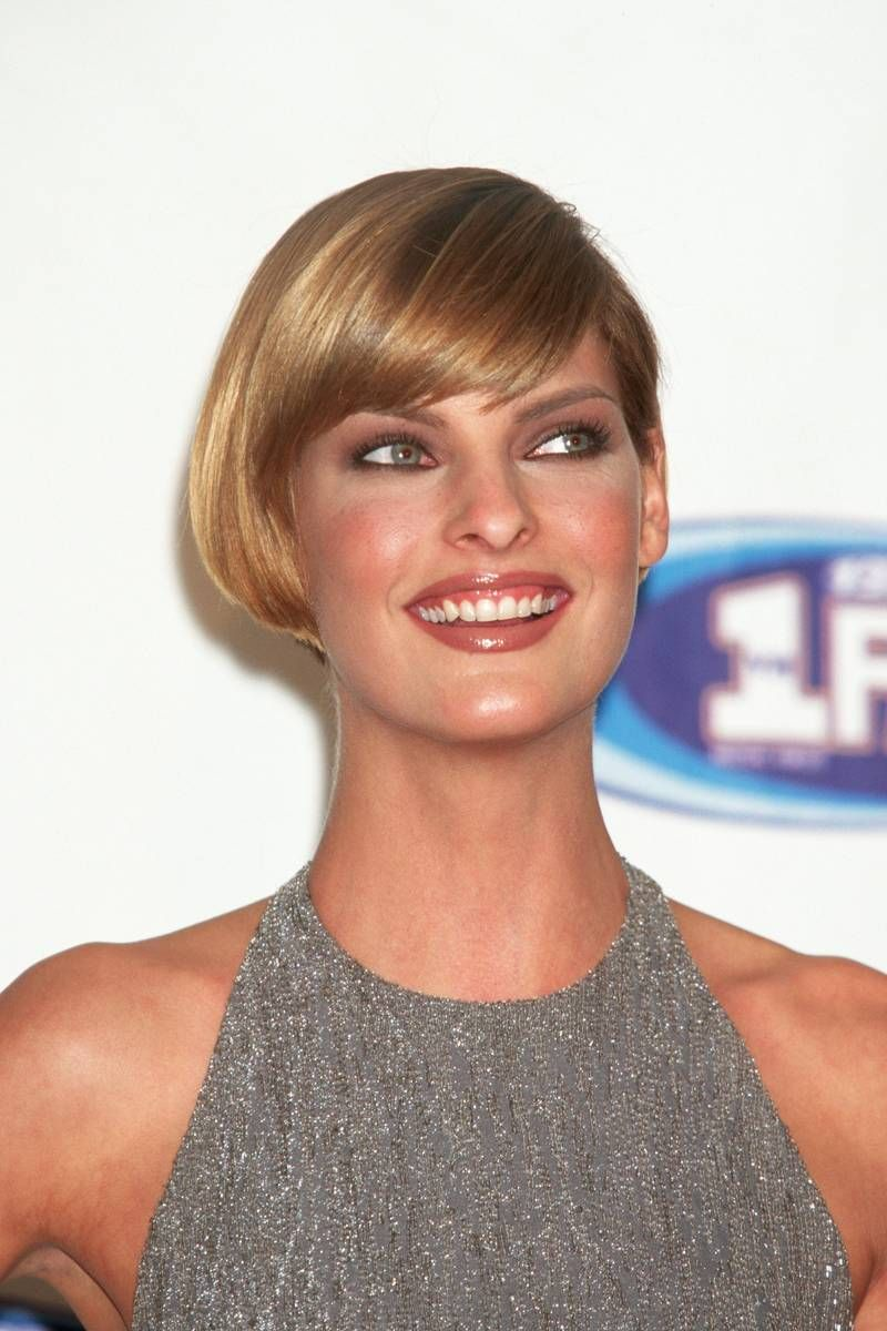 short hair bob styles she can do no wrong bob evangelista 1996 fashion 1945 | f7aa8bfc66751e8753f06d10d6c7aa17