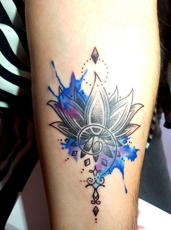 50 schöne Blumen Tattoos Designs und Ideen für Jungen und Mädchen #blumen #designs #ideen #jungen #madchen #schone #tattoos #tattoodesigns