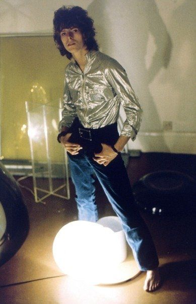 David Bowie @ studio of artist Dante Leonard in Hampstead London, September 1969