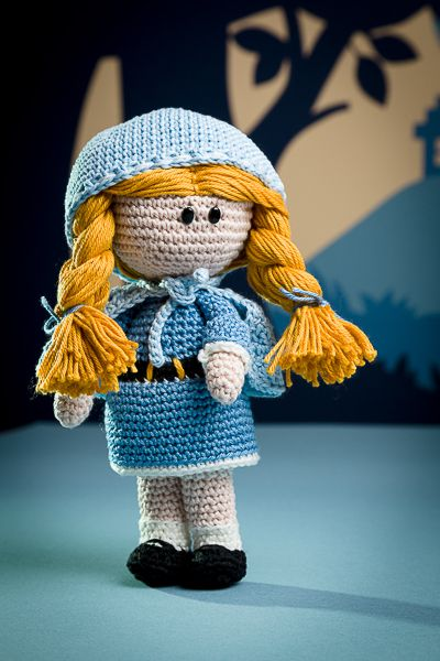 Goldlock and the three bears - amigurumi pattern out of the book 'Amigurumi Fairy Tales' - Design by Tessa Van Riet - Ernst