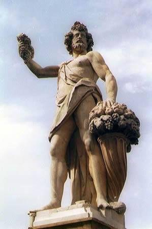 L'Autunno  scultura di Giovanni Caccini  Ponte di Santa Trinità, Firenze