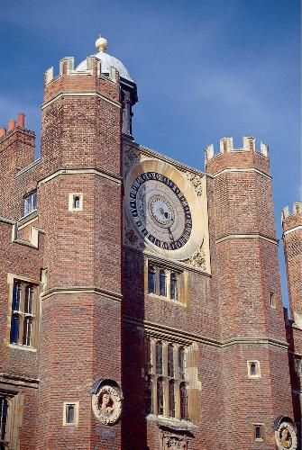 London Photos at Frommer's - Hampton Court's famous Astronomical Clock