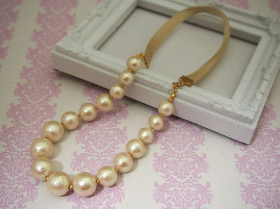 2ways Cotton pearl necklace with ribbons  by MiyabiGrace on Etsy.  #bridalnecklace #cottonpearlnecklace #bridesmaidjewelry #bridaljewelry #pearlnecklace #bridesmaidnecklace #necklace #Pearl コットンパールネックレス みやびグレース on Etsy #コットンパール #コットンパールネックレス #vegan #veganjewelry #veganpearlnecklace #veganpearl #vegannecklace