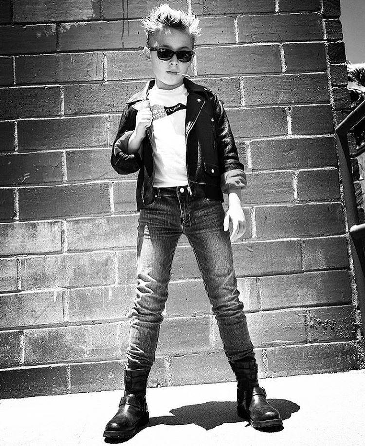 "615 Likes, 25 Comments - WYNN GOLDBERG (@wynns_world) on Instagram: ""Doing the time warp again...💫✨Cool cars, Jumpsuits & Kurt 🎧🎸#lifeisbeautiful @rowdysprout Kurt…"""