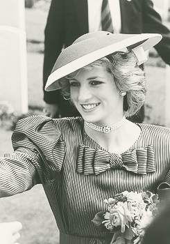 Princess Diana Spencer sported a saucer hat by Frederick Fox during a 1985 visit to Anzio in Italy.