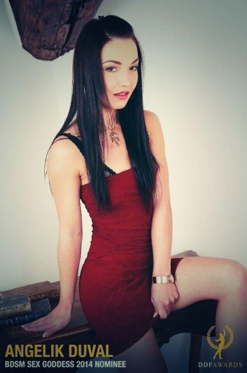 Angelik Duval Nude Photos 21