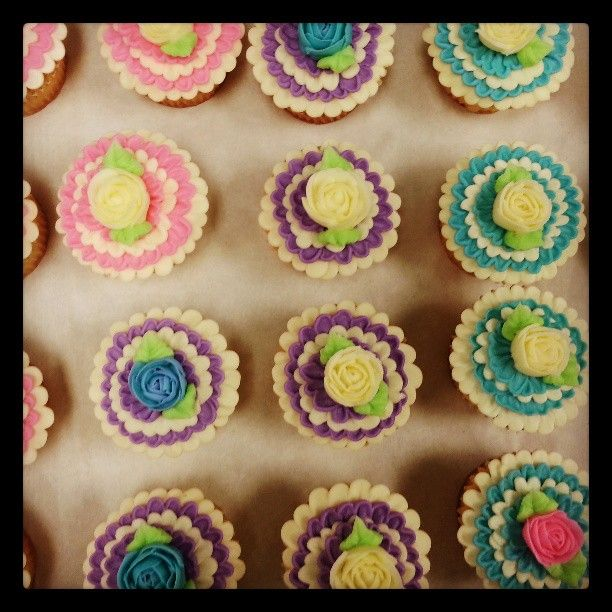 Pretty frilly cupcakes <3