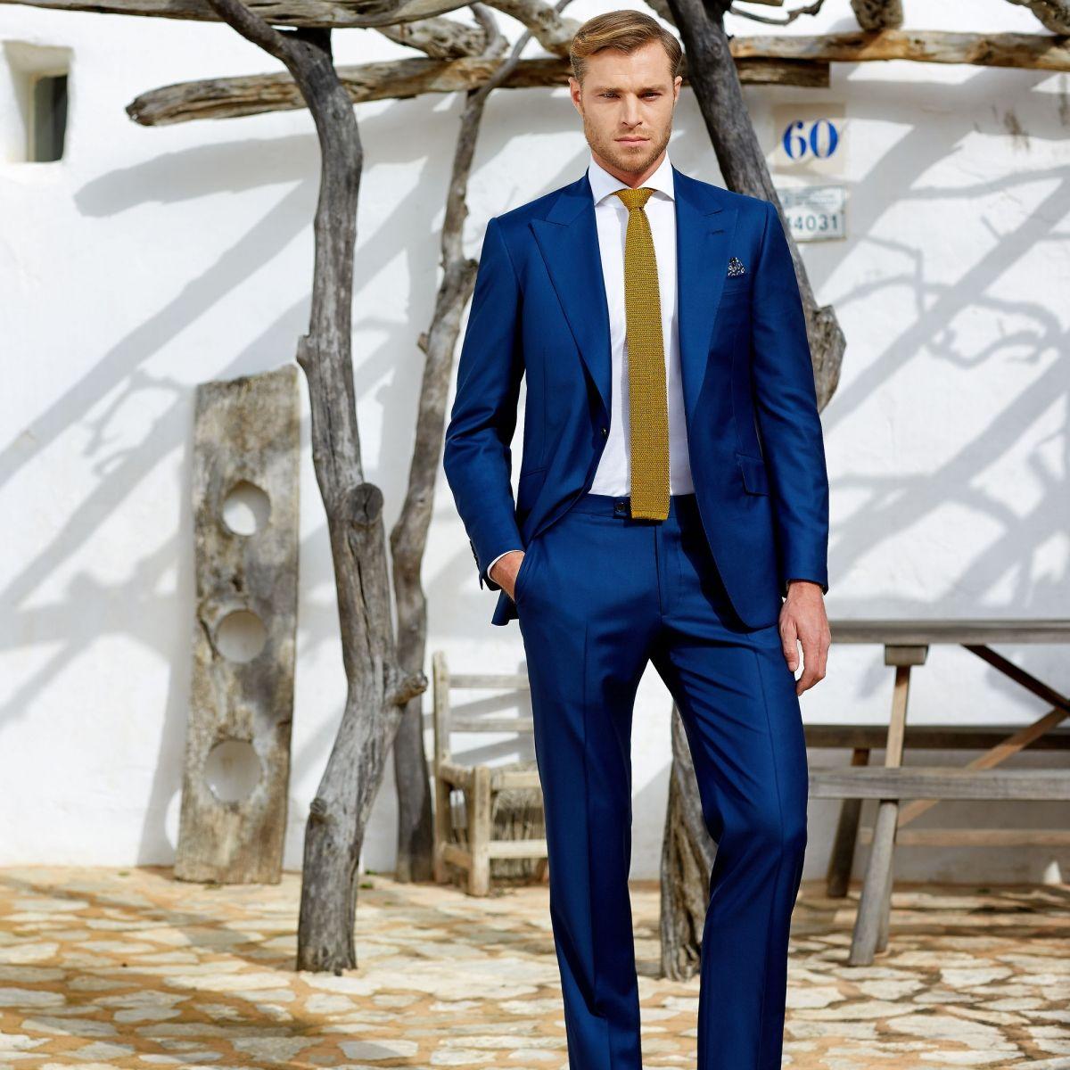 1000  images about Blue Suit Style on Pinterest | Orange tie