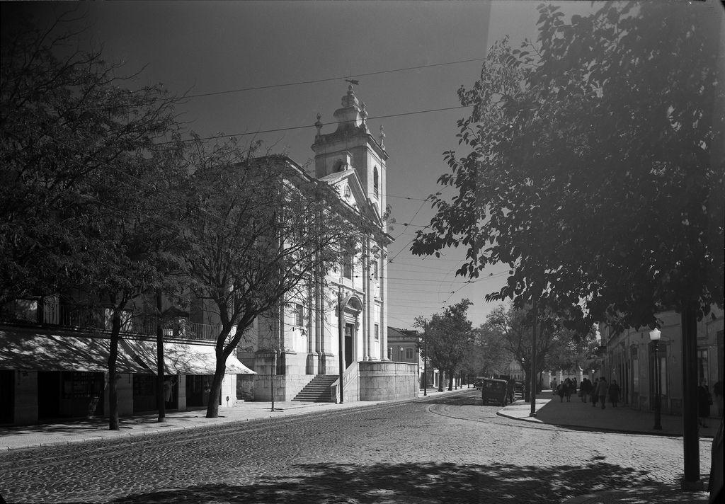 Estrada de Benfica - vista da Igreja de Nossa Senhora do Amparo (Igreja…