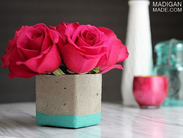 Easy DIY concrete vase