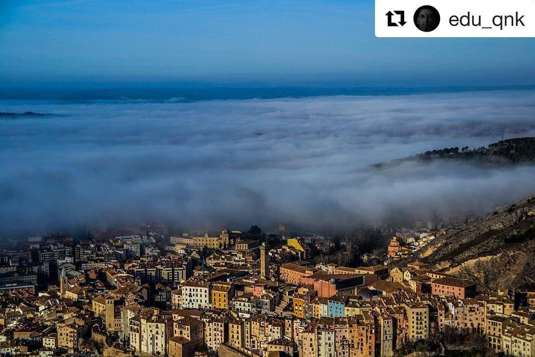 Hoy reposteamos estas impresionantes vistas de @edu_qnk . Quieres que publiquemos tus fotos de la provincia de Cuenca? Etiquétanos o usa el hashtag #zascandileandoporcuenca!  Irte a pasear por las montañas de Cuenca y encontrarte con esto... Enero 2014 #Cuenca #cuencaesúnica #nikon #nikond3100 #tamronlens #nikonistasespaña #nikonistas_spain #nikonistas #tamronlens #tamron #nikon_owners #nikon_photo #niebla #nubes #mardenubes #descubrecuenca #ciudadespatrimonio #zascandileandoporcuenca…