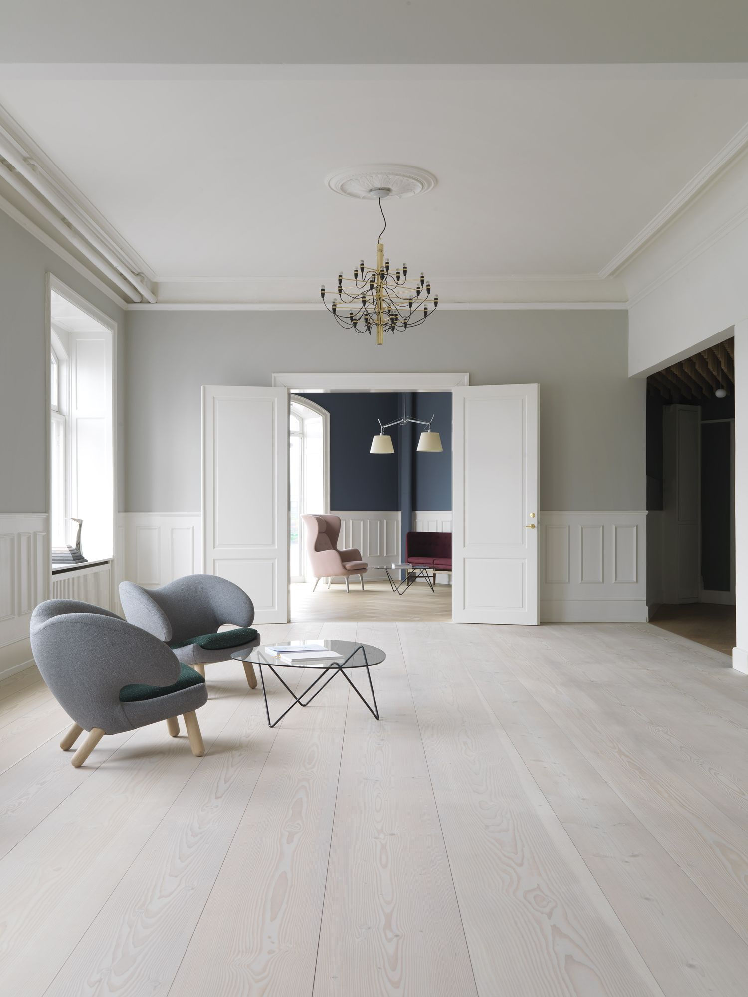 Dinesen's showroom. A nice interior with a white painted
