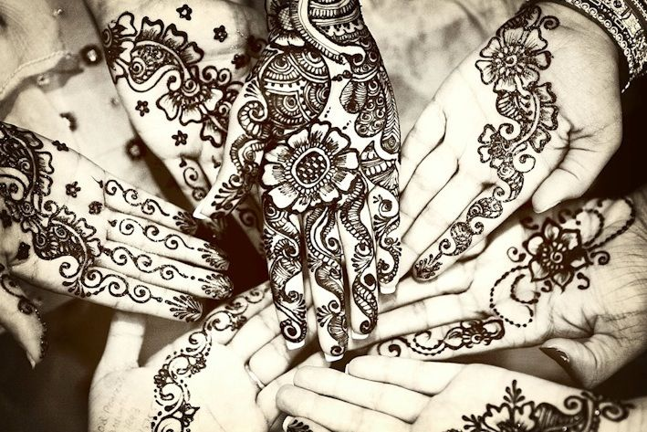 Pin by Maria Orlando on Henna Indian wedding photography