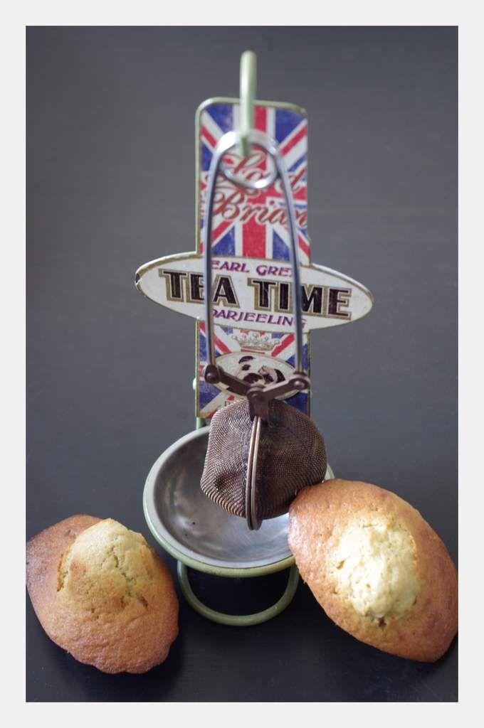 Les British madeleines (au thé Earl Grey) http://twocooksandafewbooks.overblog.com/les-british-madeleines-au-th%C3%A9-earl-grey