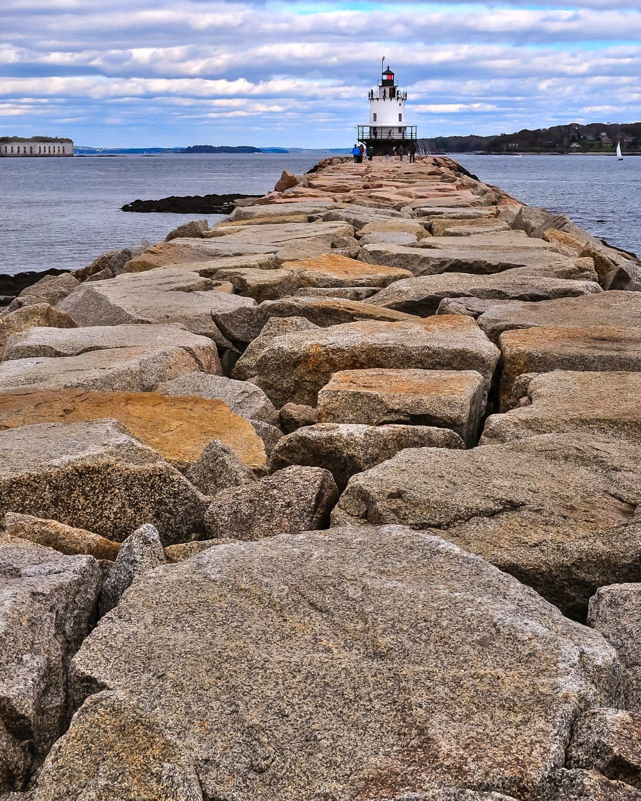 Maine Lighthouses And Beyond Spring Point Ledge Lighthouse Maine Lighthouses Lighthouse Casco Bay
