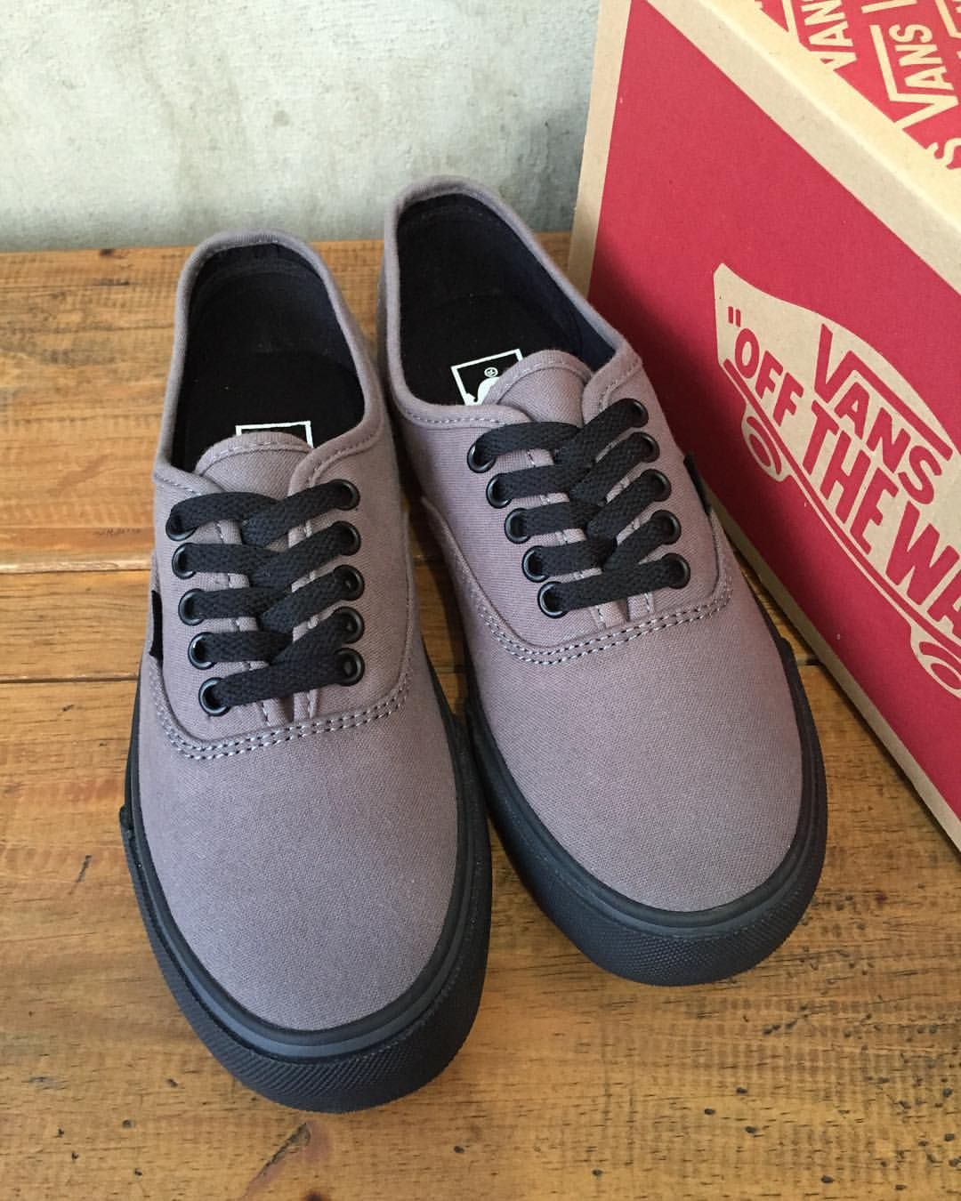 521668c9ba11d7 Vans authentic grey black Size 7