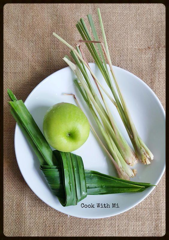 Boiled Green Apple, Lemongrass & Pandan Tea Lemon grass