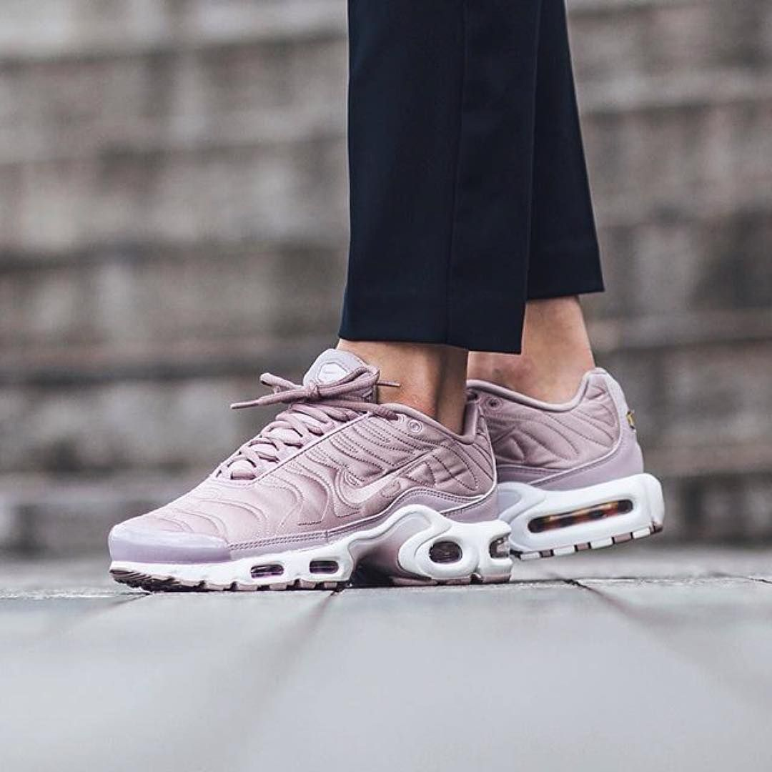 nike tn rose pale