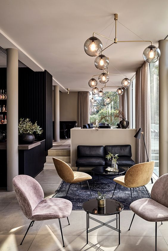 9 Top Modern Chairs From Superb Hotel Lobbies Bar decorations - bar im wohnzimmer