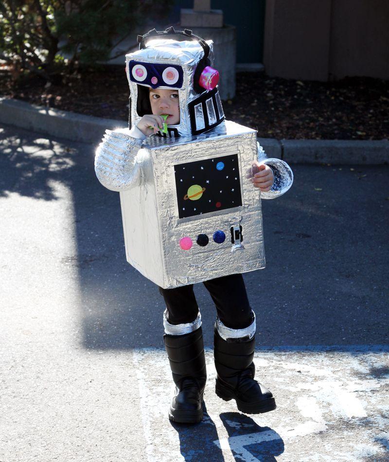Disfraces Caseros Para Ninos Robot Disfraces Originales Grupo - Trajes-de-halloween-caseros-para-nios