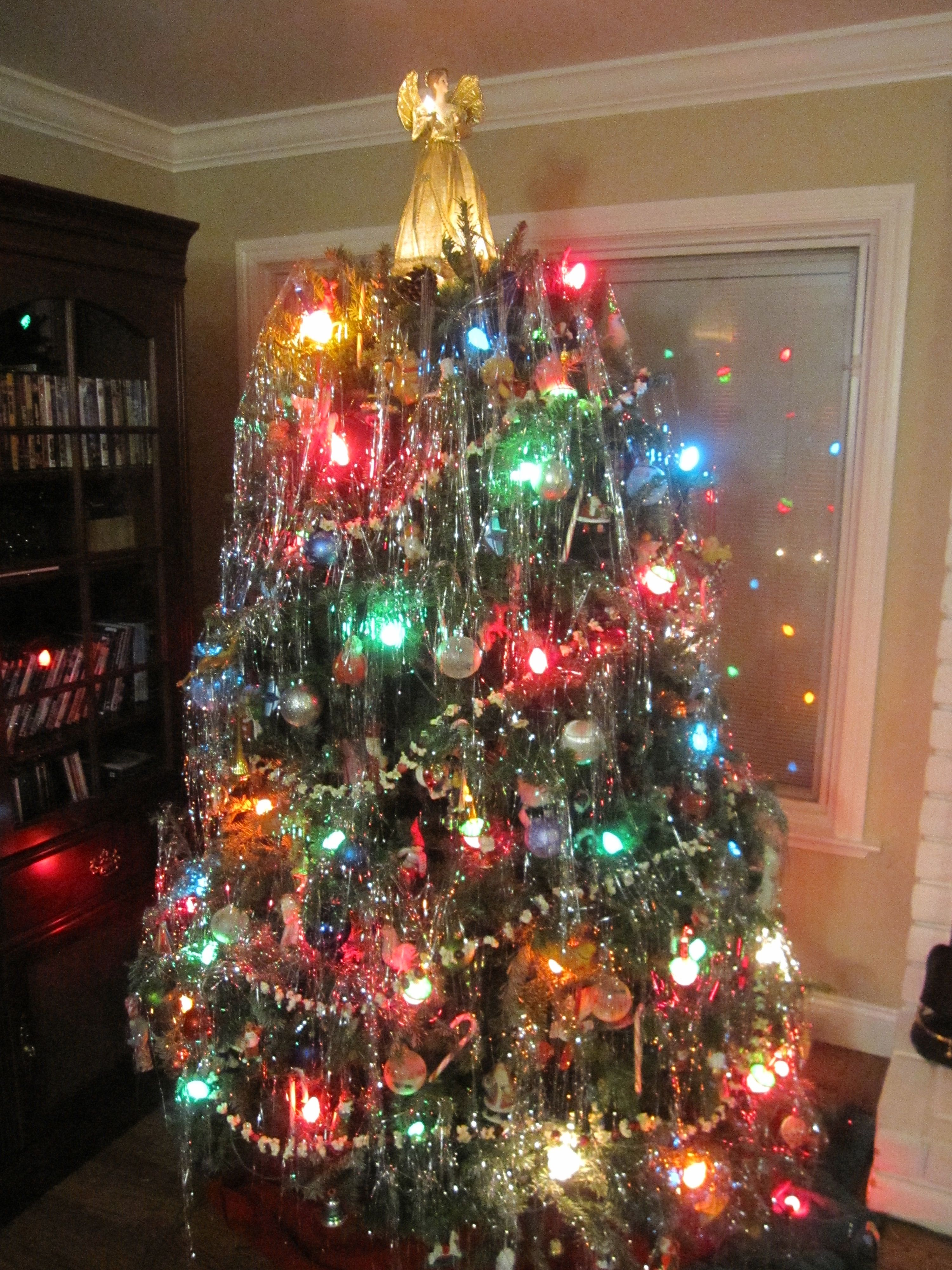 Bubble Lights Tinsel Popcorn And Cranberry Garland Christmas Doesn T Get Much Better Than This Vintage Christmas Tree Christmas Christmas House Lights