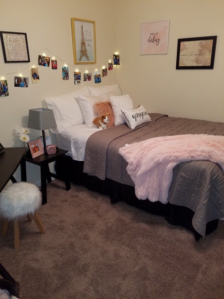 Teen Paris Room, Paris Themed bedroom, Blush and Gray Bedroom, Teen ...