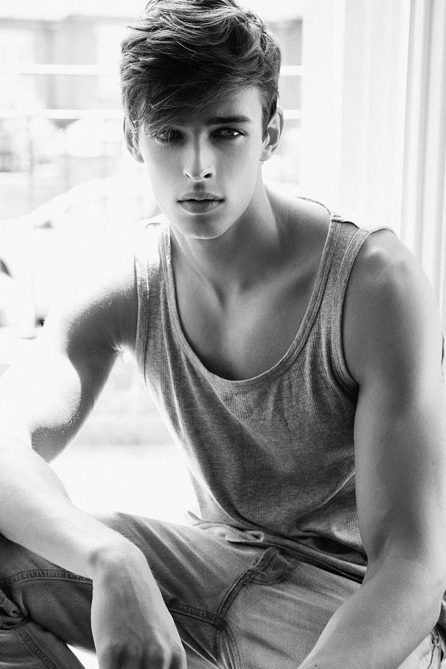 junge mannliche modelle