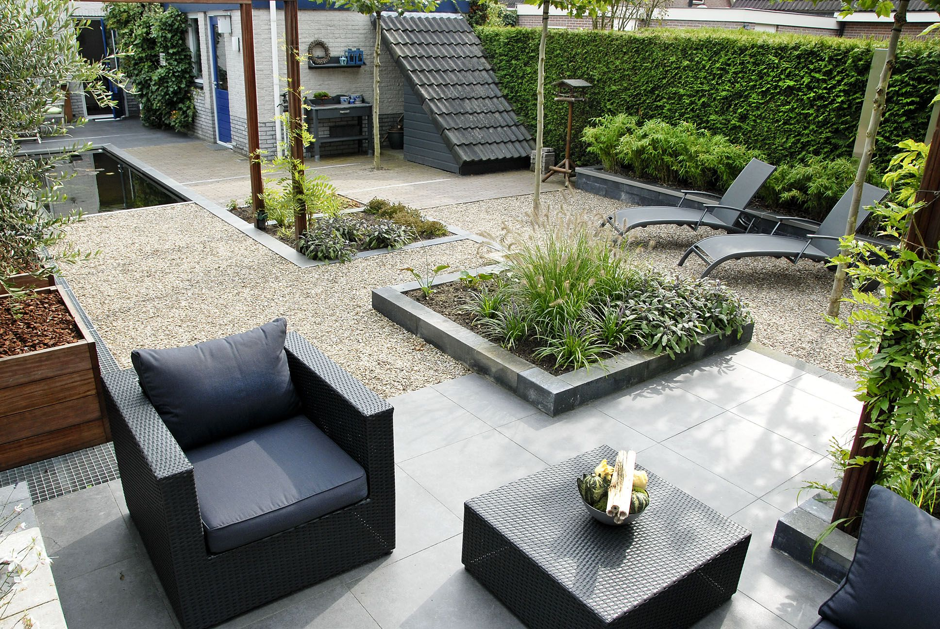 Green art lounge terras moderne vormgeving tuin garden pinterest moderne tuin lounges - Moderne woning buiten lay outs ...