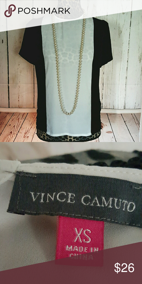 Cute Blouse Short-sleeved blouse. Vince Camuto Tops Blouses