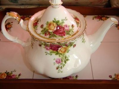Royal Albert China teapot.