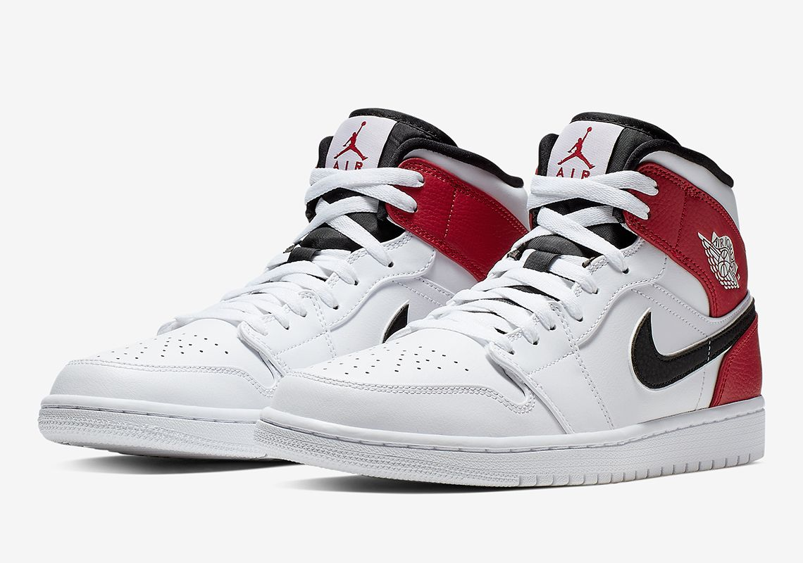 new arrival d43ff 1dfa7 Another Chicago Style Remix Arrives On The Air Jordan 1 Mid