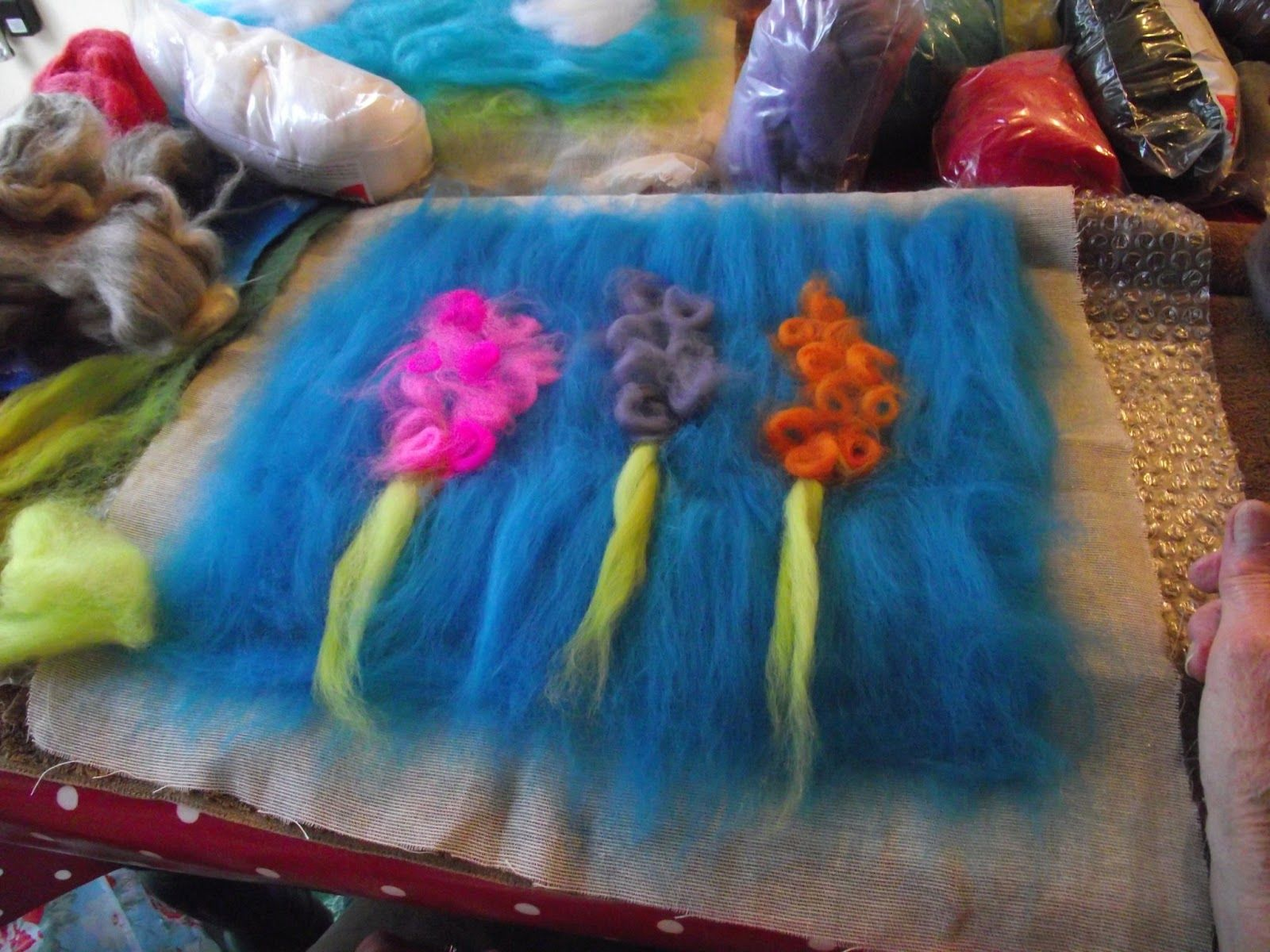 I had a request for how to make my poppy wet felted picture and felting baditri Images