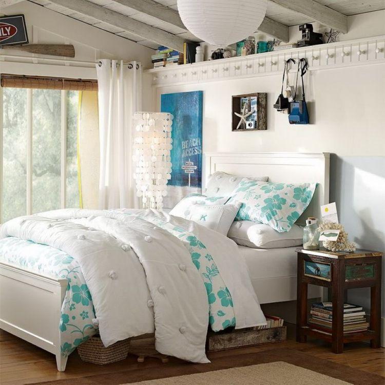 landhausstil-schlafzimmer-weiss-ideen-holzboden-nachttisch-antik - schlafzimmer landhausstil weiß