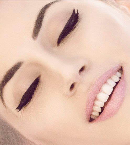 Baby pink lipstick & black eyeliner