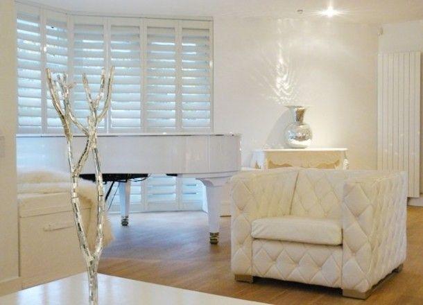 Finse Serene Woonkamer : Stijlvolle shutters ontworpen door jan des bouvries. door leo
