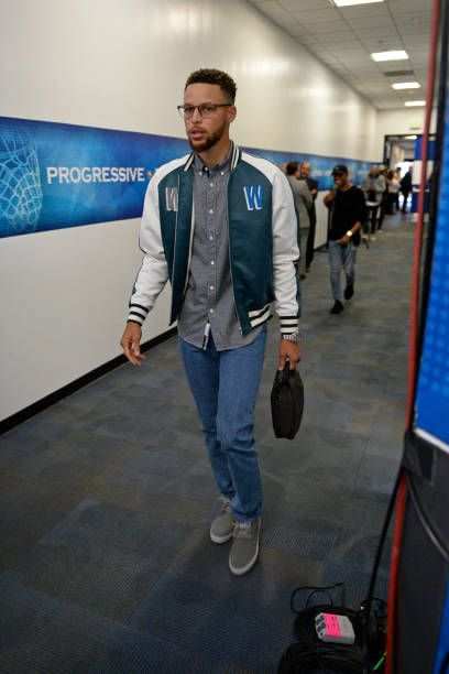 stephen curry of the golden state warriors arrives at the