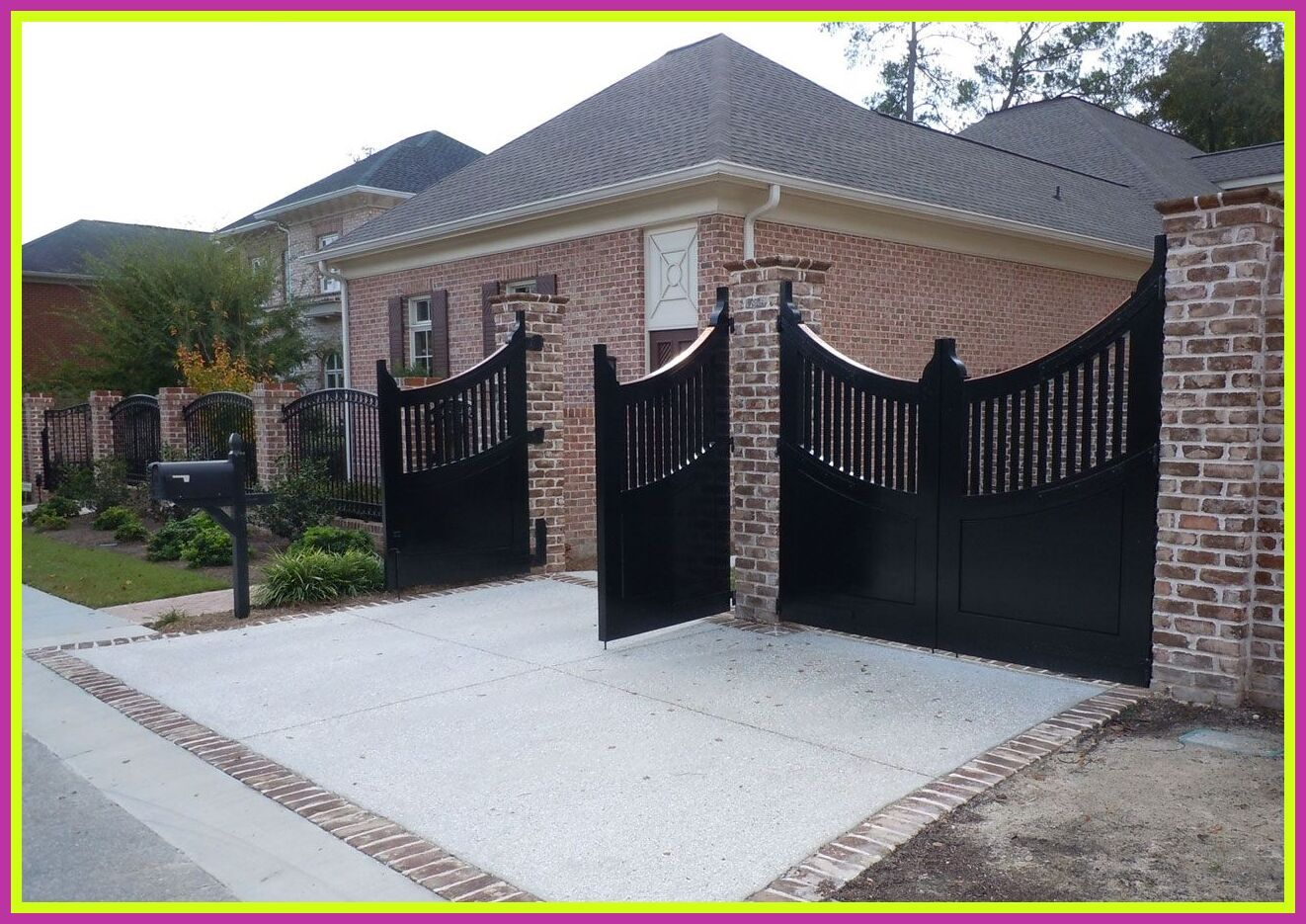 126 Reference Of Black Iron Fence Front Yard In 2020 Modern Fence Backyard Fences Iron Fence