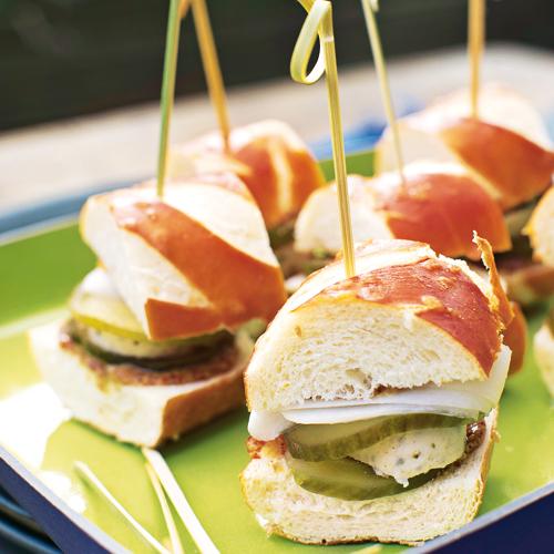 Kleine Weißwurst-Burger #appetizersforparty