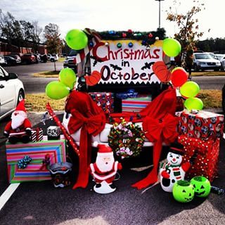 Christmas in October. #trunkortreatideasforcarsforchurch