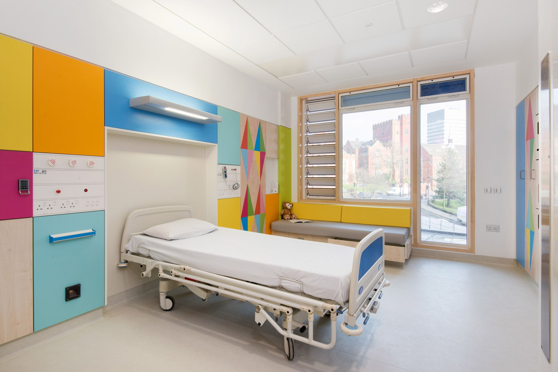 Morag Myerscough Redesigns Sheffield Childrens Hospital Bedrooms With Geometric Interior Patterns