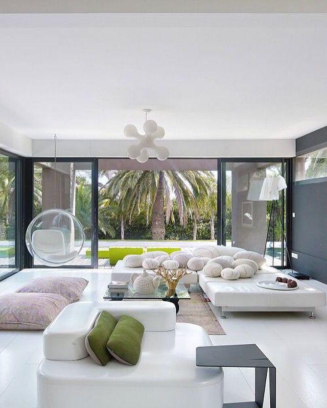 une pi ce vivre moderne design d coration maison. Black Bedroom Furniture Sets. Home Design Ideas