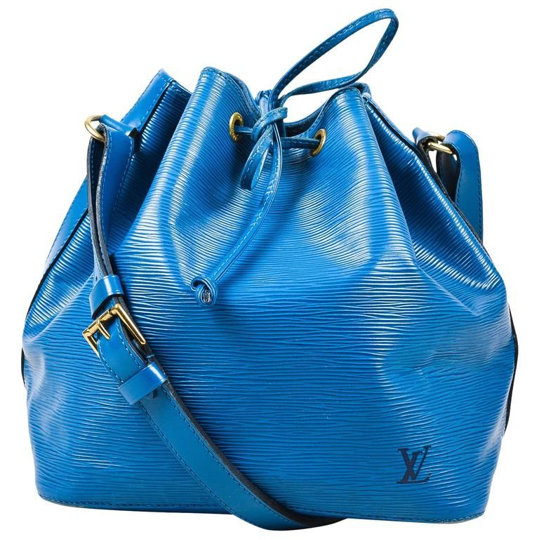 28d5fc9eb838 Vintage Louis Vuitton Blue