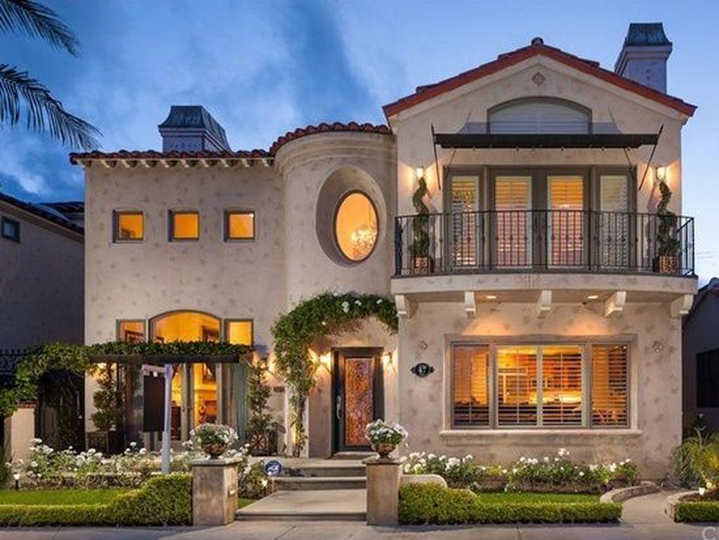 20 Astonishing Maditerranean House Ideas For You To Try In 2020 Mediterranean Homes Mediterranean Homes Exterior Luxury Mediterranean Homes