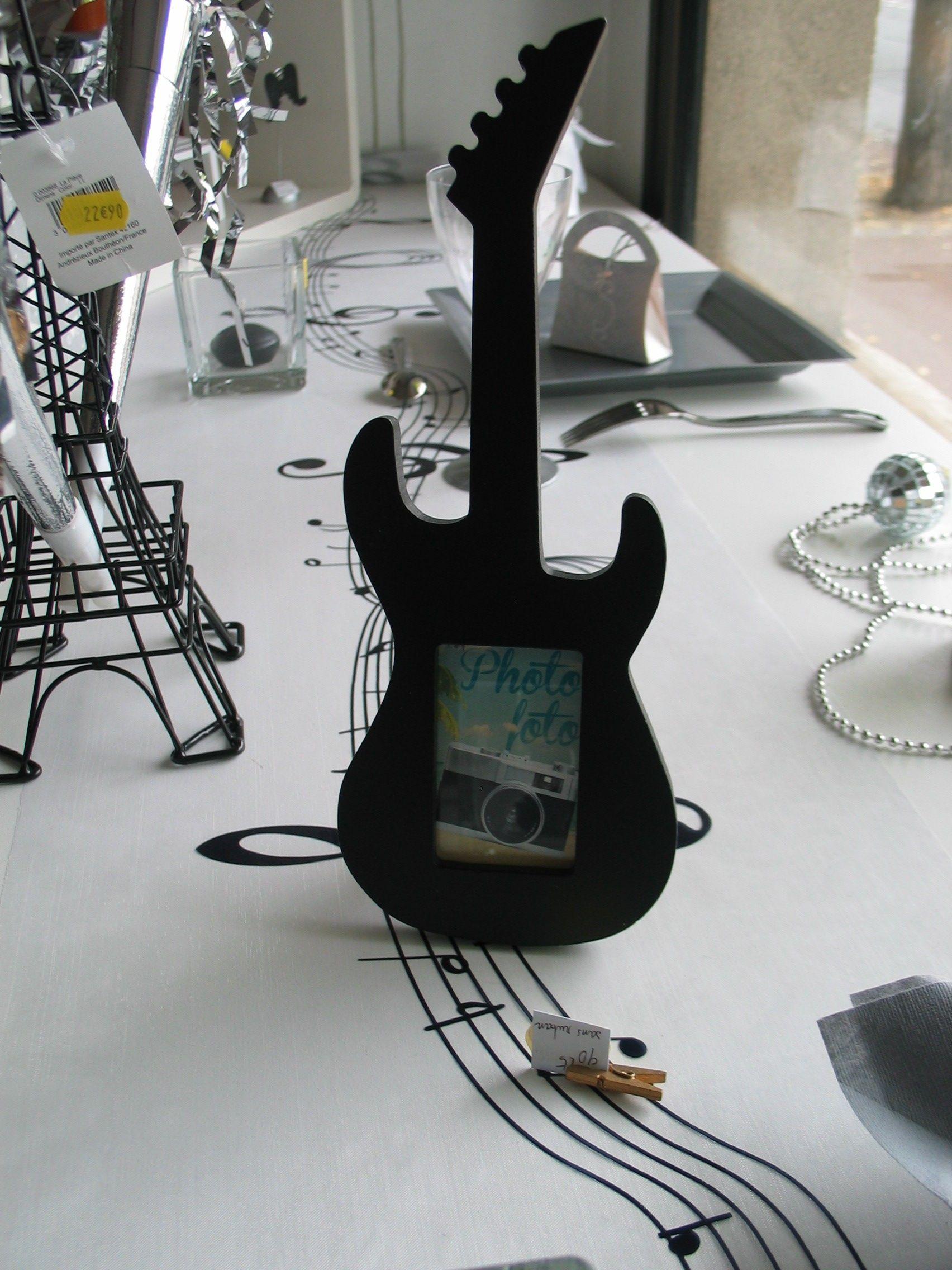 Décoration de table sur le thème de la fête de la musique