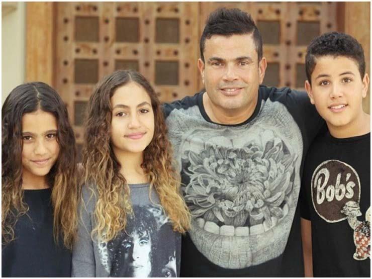 Belbalady بالصور بعيدا عن شهرة الهضبة 3 من أبناء عمرو دياب يدخلون عالم الموضة بالبلدي Belbalady Belbalady استطاع ن Fashion Graphic Sweatshirt Women