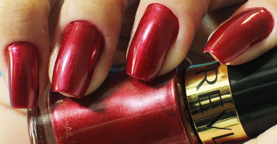 760 (Cherry Crush) Nail Enamel Mettalic Colection by Revlon - My nails @yinguinha